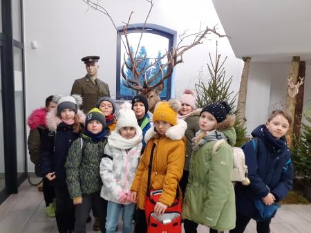 Wycieczka uczniów klas trzecich do Zalesia