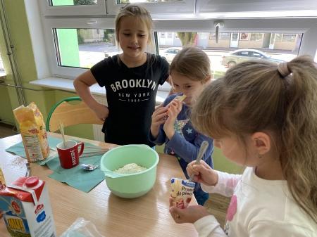Zajęcia kulinarne w świetlicy szkolnej